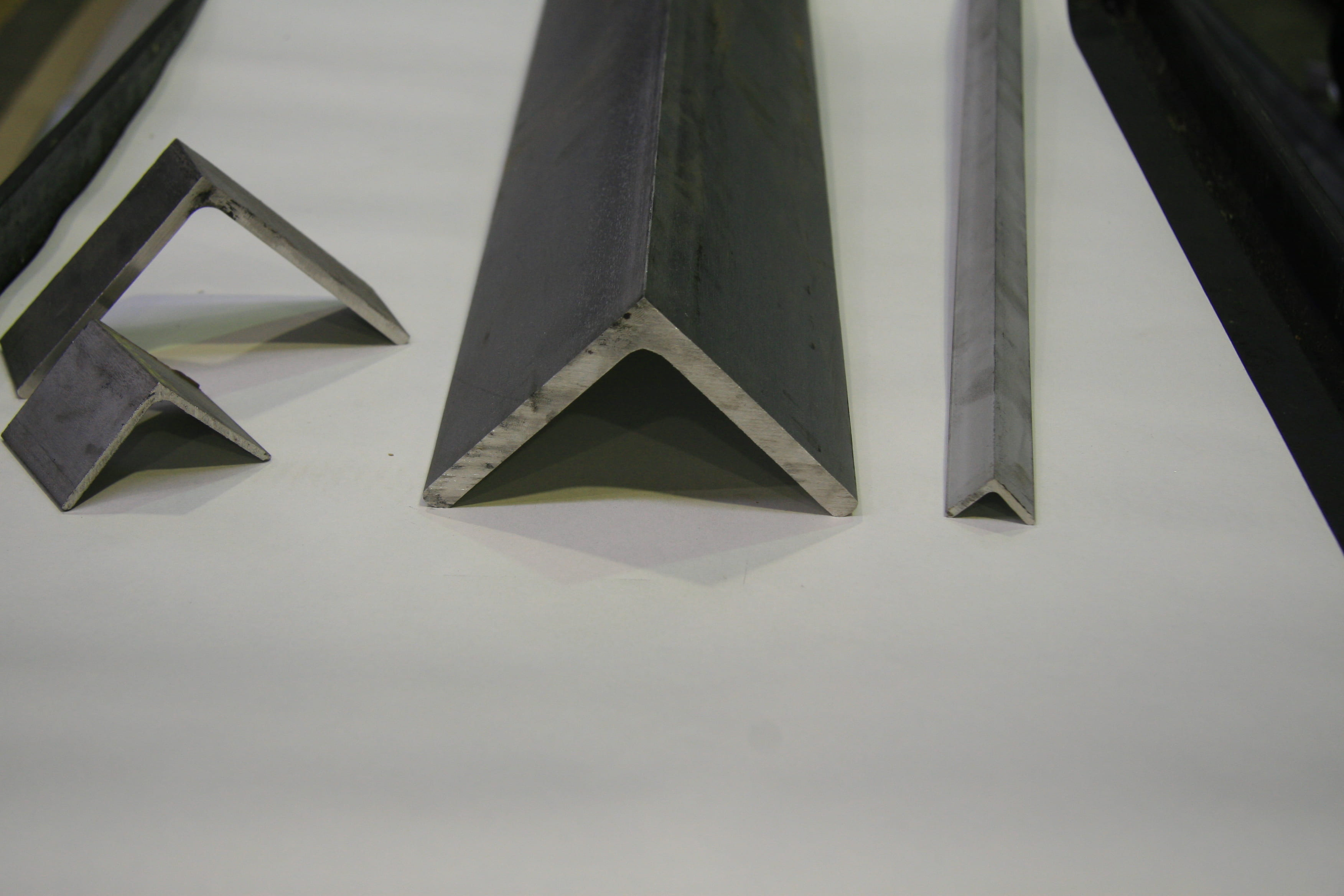 Buy Steel 316 Stainless Steel Angle - Unequal 75x50x6 Mill Finish 316 UA