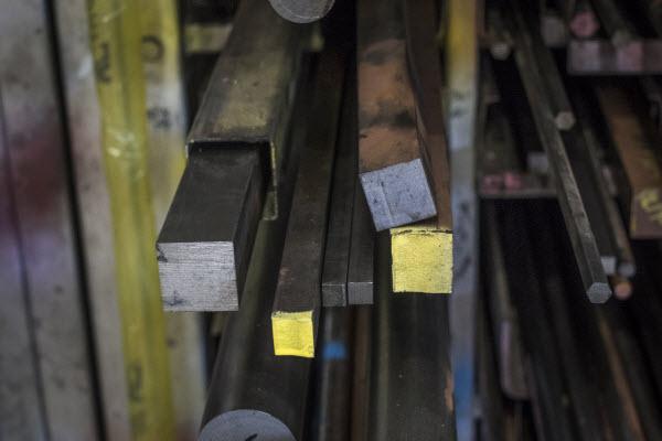 Choosing the right engineering steel grade